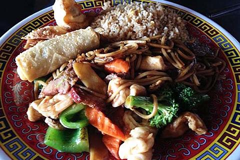 Chop and Wok - Food 4