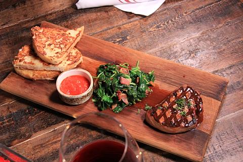 Salut Kitchen Bar - Food 5