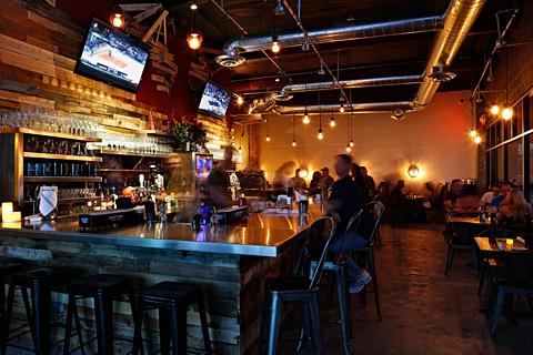 Salut Kitchen Bar - Interior 1