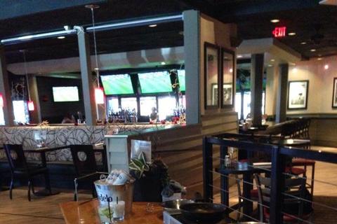 Half Moon Windy City Sports Grill - Interior 2