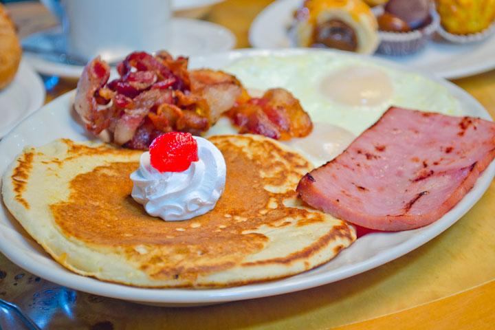 Asador-Patagonia-Palm-Beach-Breakfast