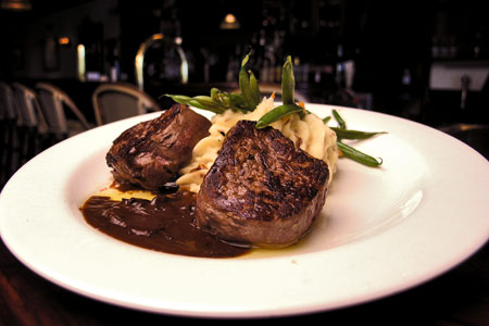 Bistro-at-Players-Club-Wellington-steak
