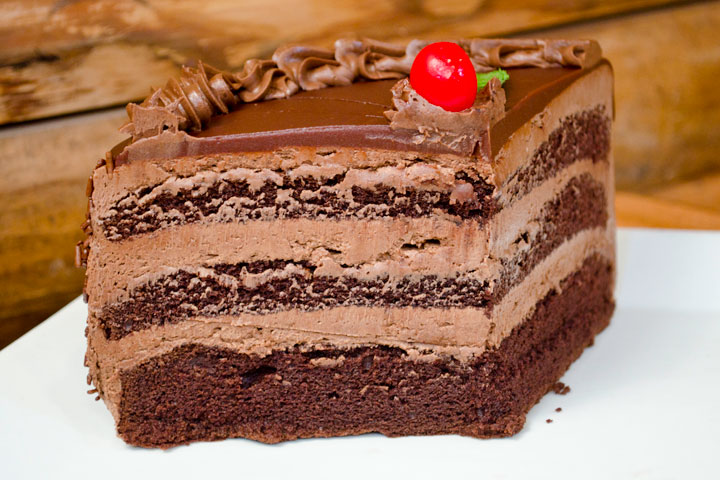 Tom-Sawyer-West-Palm-Chocolate-Cake